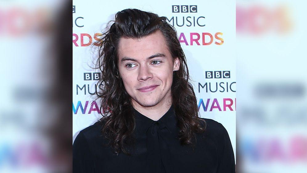 One Direction Star Harry Styles Fans Verlangen Neue Frisur Fotos