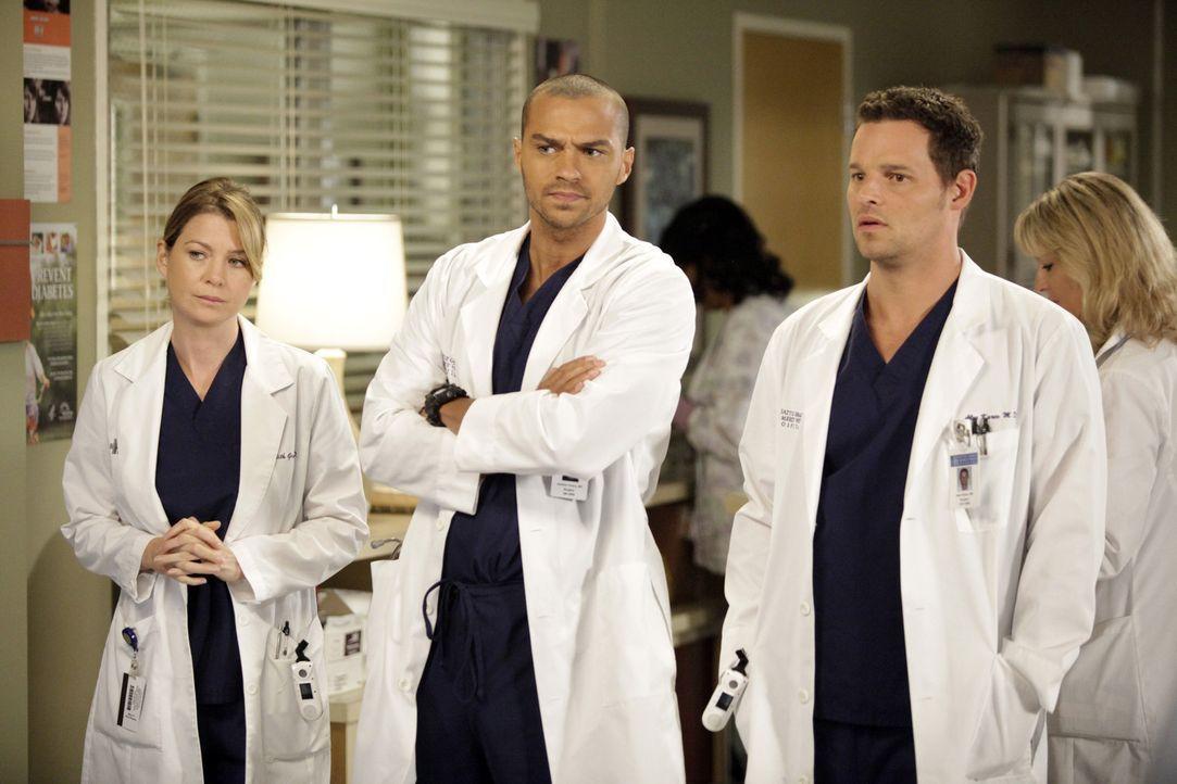 Während Meredith (Ellen Pompeo, l.) und Alex (Justin Chambers, r.) mit Problemen kämpfen müssen, setzten Jackson (Jesse Williams, M.) und April i... - Bildquelle: ABC Studios