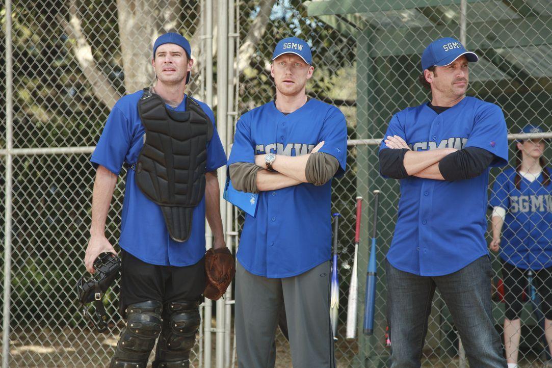 Owen (Kevin McKidd, M.) meldet das Krankenhaus zu einer Softball-Liga an, so dass es zu einem Matsch gegen das verhasste Seattle Presbyterian kommt.... - Bildquelle: ABC Studios