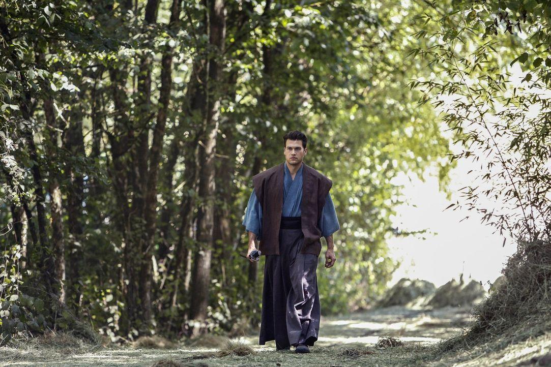 Nate (Nick Zano) entdeckt, dass er Dank der Injektion des Serums Kräfte hat und befördert sich und Roy unbeabsichtigt ins mittelalterliche Japan ... - Bildquelle: Warner Brothers