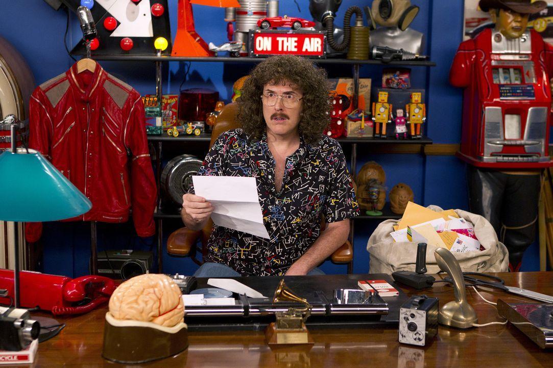 Ted hat Schwierigkeiten eine Begleitung für ein Weird Al Yankovic (Weird Al Yankovic) Konzert zu finden ... - Bildquelle: 20th Century Fox International Television