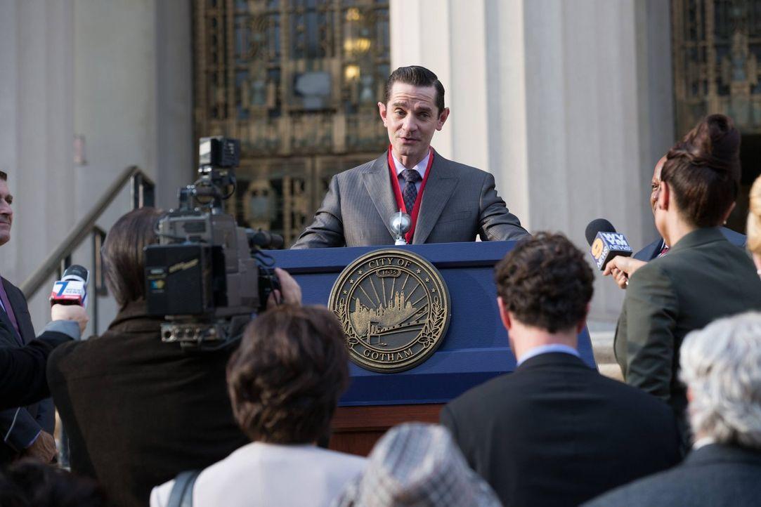 Mit ihm ist nicht zu spaßen: Theo Galavan (James Frain) ... - Bildquelle: Warner Brothers