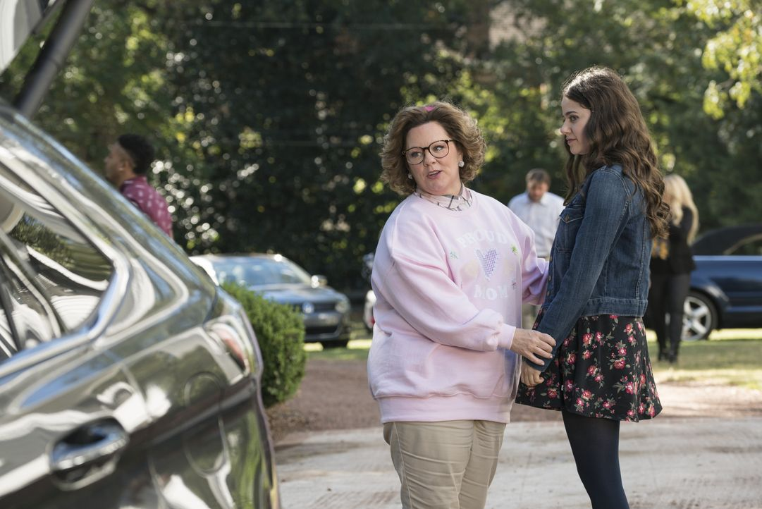 Deanna Miles (Melissa McCarthy, l.); Maddie Miles (Molly Gordon, r.) - Bildquelle: 2018 Warner Bros. Entertainment Inc. All Rights Reserved.
