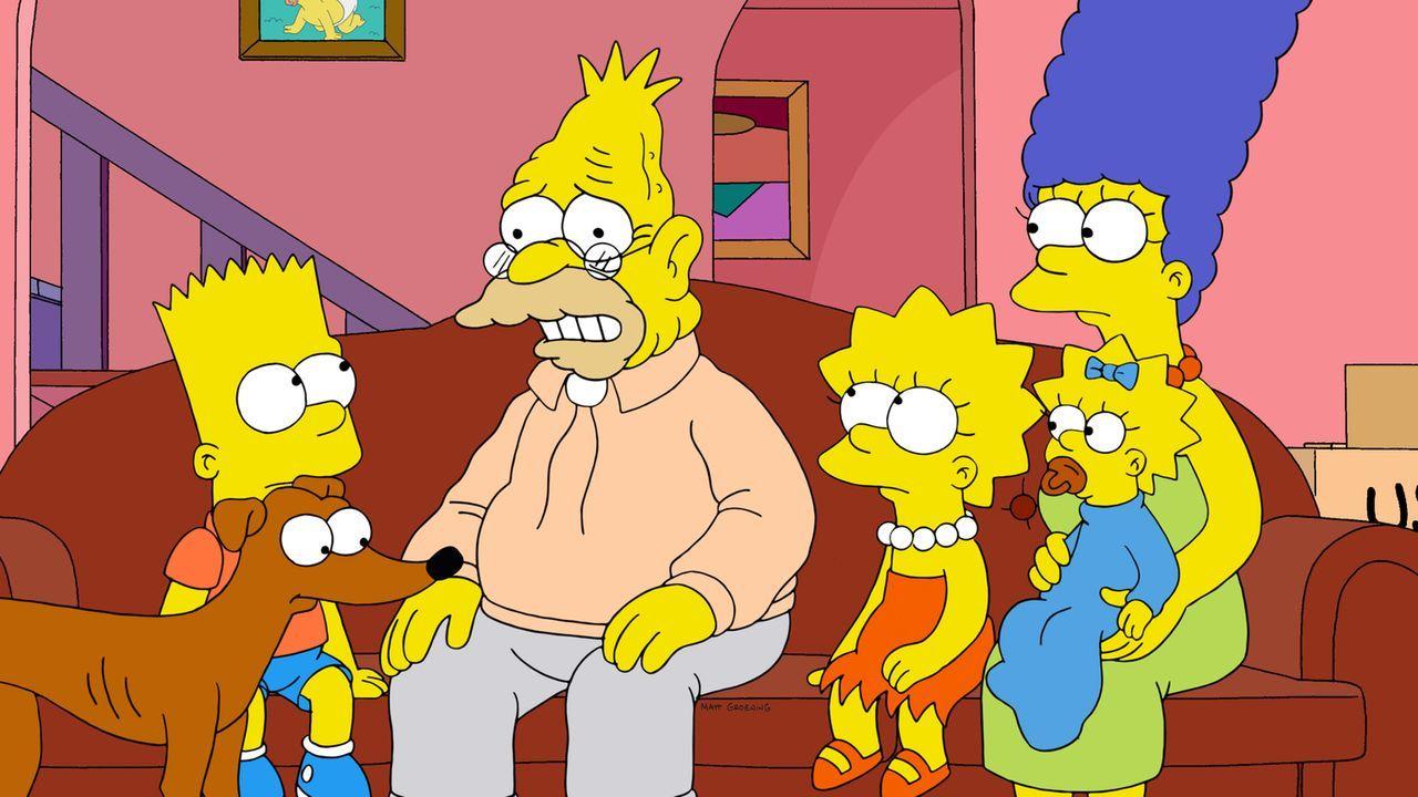 Um Homer, nachdem er Knecht Ruprecht (2.v.l.) versehentlich im Schrank eingesperrt hat, zu schützen, hat Grampa (3.v.l.) eine ganz besondere Geschic... - Bildquelle: und TM Twentieth Century Fox Film Corporation - Alle Rechte vorbehalten