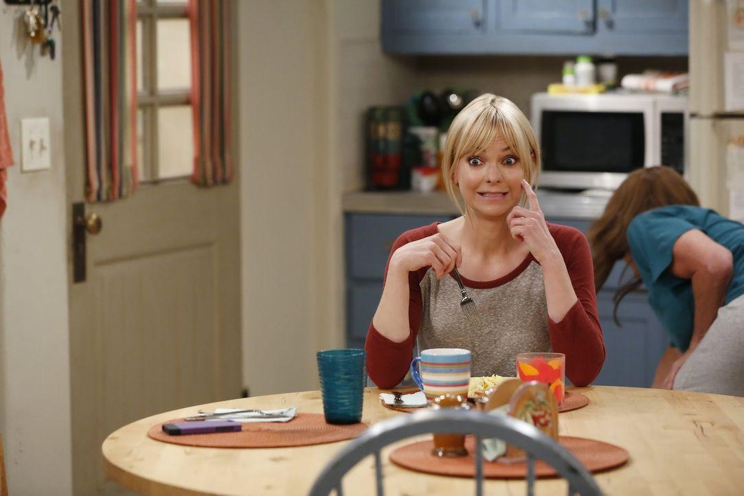 Als die Situation zwischen Adam und Bonnie eskaliert, beschließt Christy (Anna Faris) den beiden zu helfen und zu vermitteln ... - Bildquelle: 2016 Warner Bros. Entertainment, Inc.