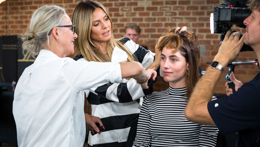 Gntm 2019 Umstyling So Sieht Justine Mit Kurzen Haaren Aus