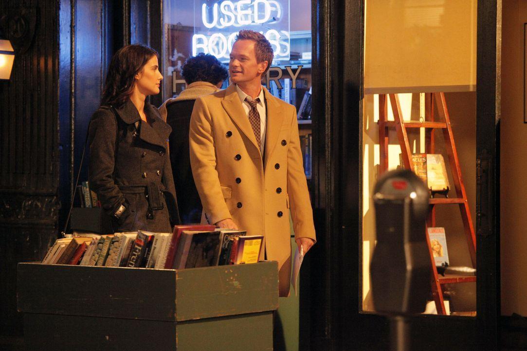 Während Robin (Cobie Smulders, l.) zögert, sich von Nick zu trennen und Barney (Neil Patrick Harris, r.) das für sie übernimmt, sehen sich Lily und... - Bildquelle: 2012 Twentieth Century Fox Film Corporation. All rights reserved.