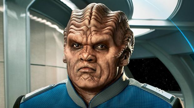 Peter Maconn spielt Lieutenant Commander Bortus in The Orville