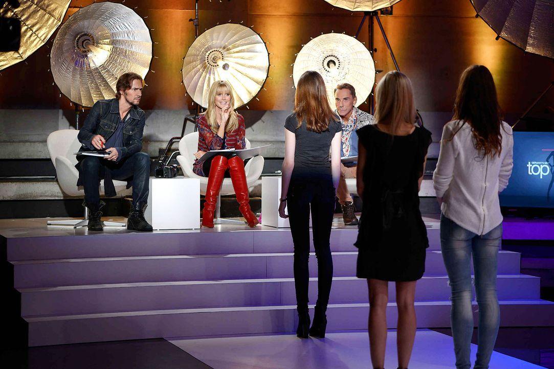 GNTM-Stf09-Epi01-Casting-Berlin-09-ProSieben-Oliver-S - Bildquelle: ProSieben/Oliver S.
