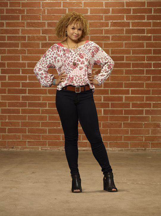 Die taffe Nikki (Rachel Crow) ist die beste Freundin von Molly ... - Bildquelle: 2015 Disney Enterprises, Inc. All rights reserved.