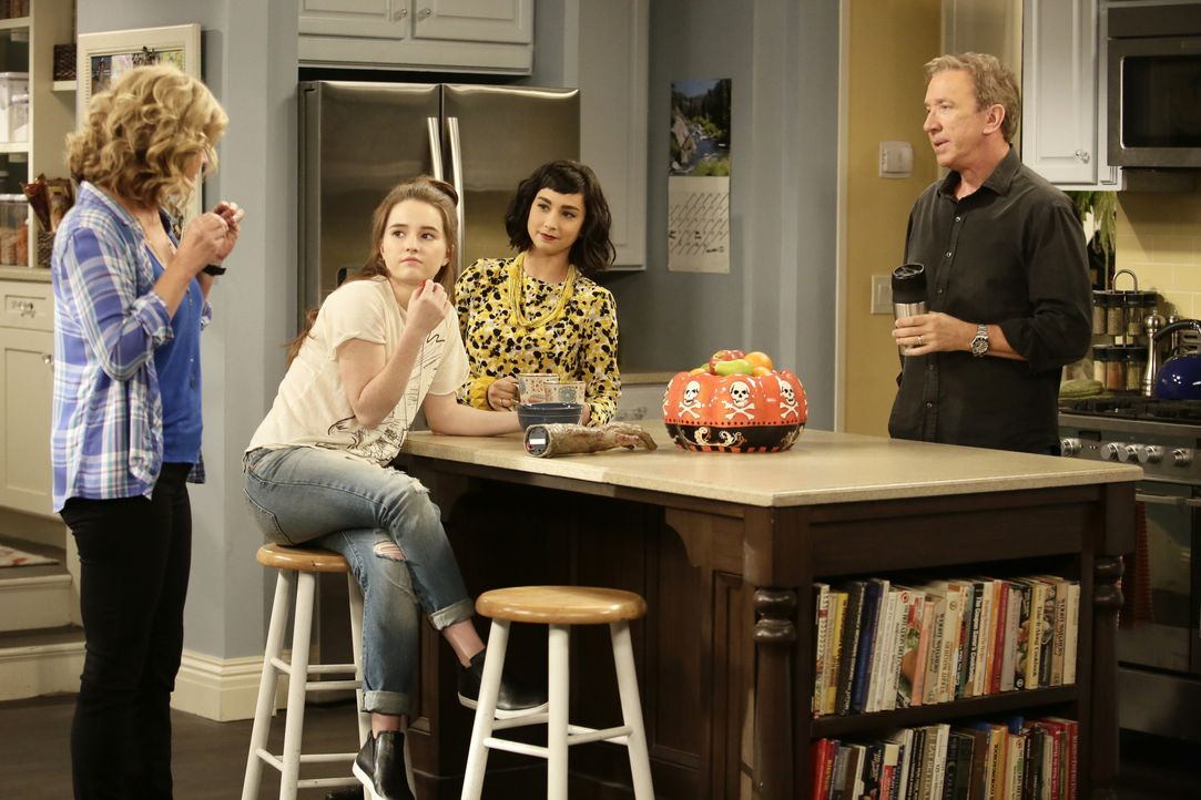 (v.l.n.r.) Vanessa Baxter (Nancy Travis); Eve Baxter (Kaitlyn Dever); Mandy Baxter (Molly Ephraim); Mike Baxter (Tim Allen) - Bildquelle: 2015-2016 American Broadcasting Companies. All rights reserved.