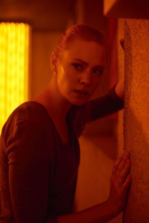 Amanda Harper (Deborah Ann Woll) - Bildquelle: David Bloomer 2019 Columbia Pictures Industries, Inc. All Rights Reserved. / David Bloomer