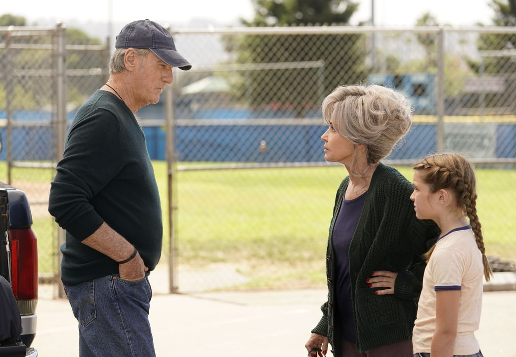 (v.l.n.r.) Coach Dale Ballard (Craig T. Nelson); Meemaw (Annie Potts); Missy (Raegan Revord) - Bildquelle: Robert Voets 2019 Warner Bros. Entertainment Inc.  All Rights Reserved. / Robert Voets