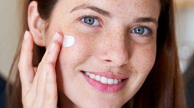 Eure Haut benötigt ausreichend Pflege – ob mit oder ohne Pigmentflecken!