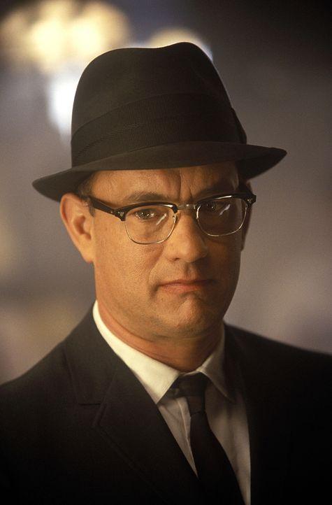 FBI-Agent Carl Hanratty (Tom Hanks) hat es sich zur Lebensaufgabe gemacht, Frank zu schnappen, doch immer wieder kann ihn seine Zielperson austricks... - Bildquelle: TM &   2003 DreamWorks LLC. All Rights Reserved