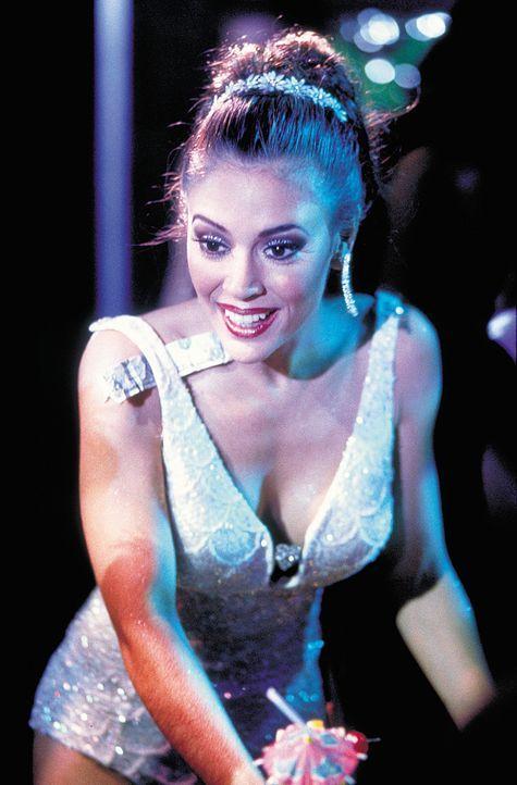 Amy (Alyssa Milano) sorgt dafür, dass es David ordentlich heiß wird .... - Bildquelle: 2003 Sony Pictures Television International. All Rights Reserved.