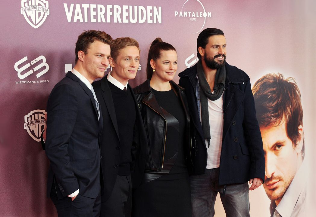 Premiere-Vaterfreuden-Friedrich-Muecke-Matthias-Schweighoefer-Isabell-Polak-Tom-Beck14-01-29-dpa - Bildquelle: dpa