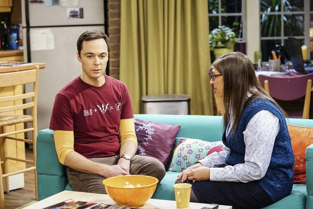 Sheldon (Jim Parsons, l.) braucht einen Ratschlag von Amy (Mayim Bialik, r.), nachdem er in einen Streit mit Howard und Leonard gerät ... - Bildquelle: Warner Bros. Television