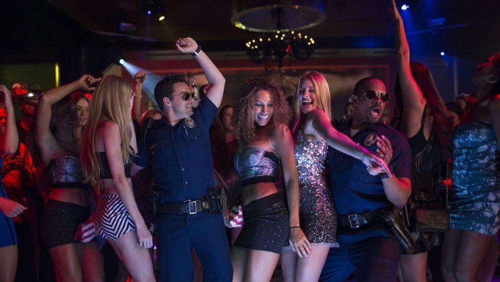 Let's Be Cops - Die Party Bullen - Bildquelle: Frank Masi 2014 Twentieth Century Fox Film Corporation.  All rights reserved.