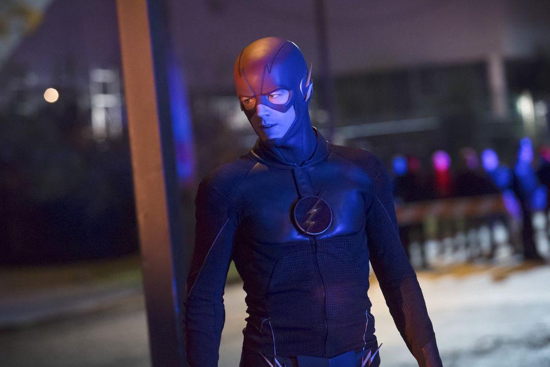 Bei seinem neusten Fall, einen Gefängnisausbruch betreffend, greift Barry alias The Flash (Grant Gustin) auf eine unerwartete Informationsquelle zur... - Bildquelle: Warner Brothers.