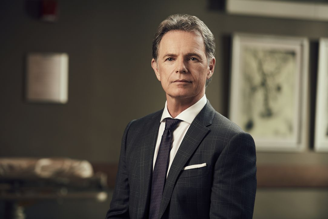 (1. Staffel) - Dr. Bell (Bruce Greenwood) ist angesehener Chefarzt im Chastain Park Memorial Hospital. Doch er hat ein großes Geheimnis ... - Bildquelle: 2018 Fox and its related entities.  All rights reserved.