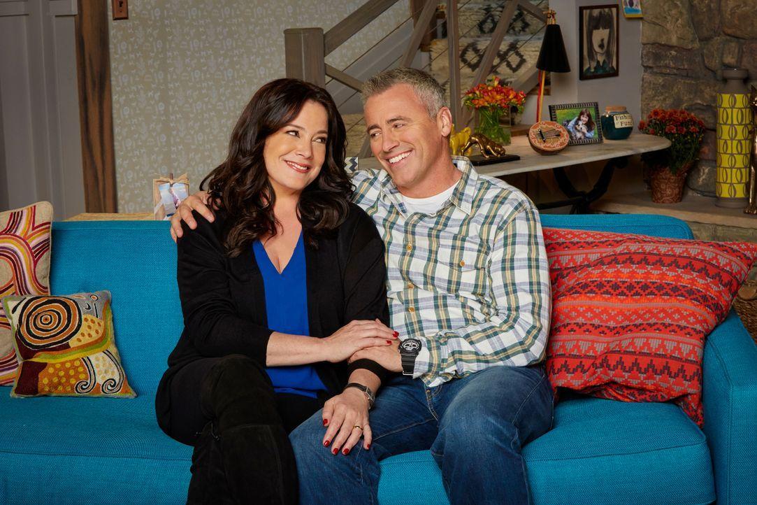 (1. Staffel) - Tauschen ihre Rollen: Adam (Matt LeBlanc, r.) und seine Frau Andi (Liza Snyder, l.) ... - Bildquelle: Monty Brinton 2016 CBS Broadcasting, Inc. All Rights Reserved
