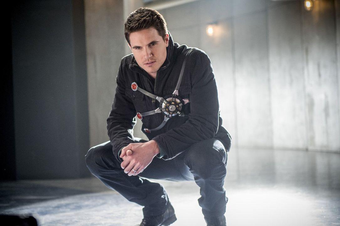Eine Projektion der Speed Force, die aussieht wie Ronnie (Robbie Amell), erinnert Barry daran, wie viele Menschen sich schon für ihn geopfert haben... - Bildquelle: 2016 Warner Bros.