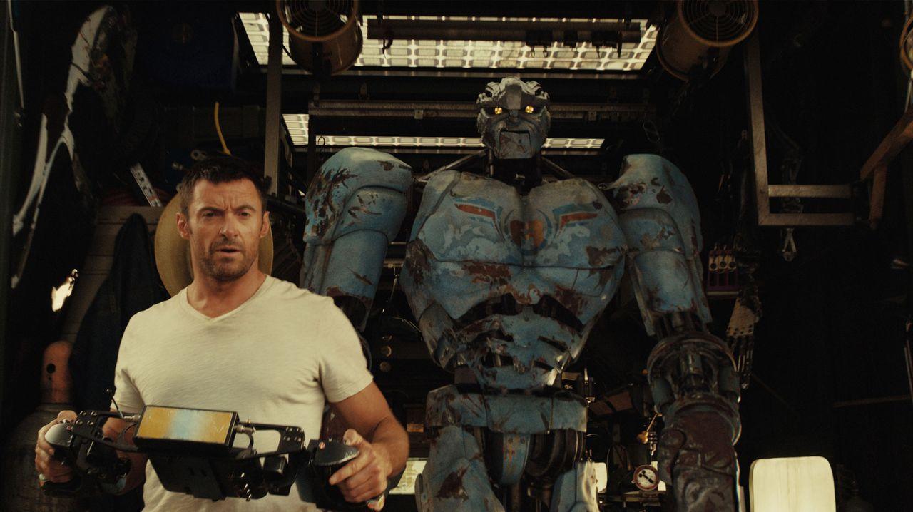 Einst war Charlie Kenton (Hugh Jackman) ein erfolgreicher Profi-Boxer, bis High-Tech-Roboter die Menschen im Ring ablösten. Jetzt schlägt er sich al... - Bildquelle: Greg Williams, Melissa Moseley DREAMWORKS STUDIOS.  All rights reserved