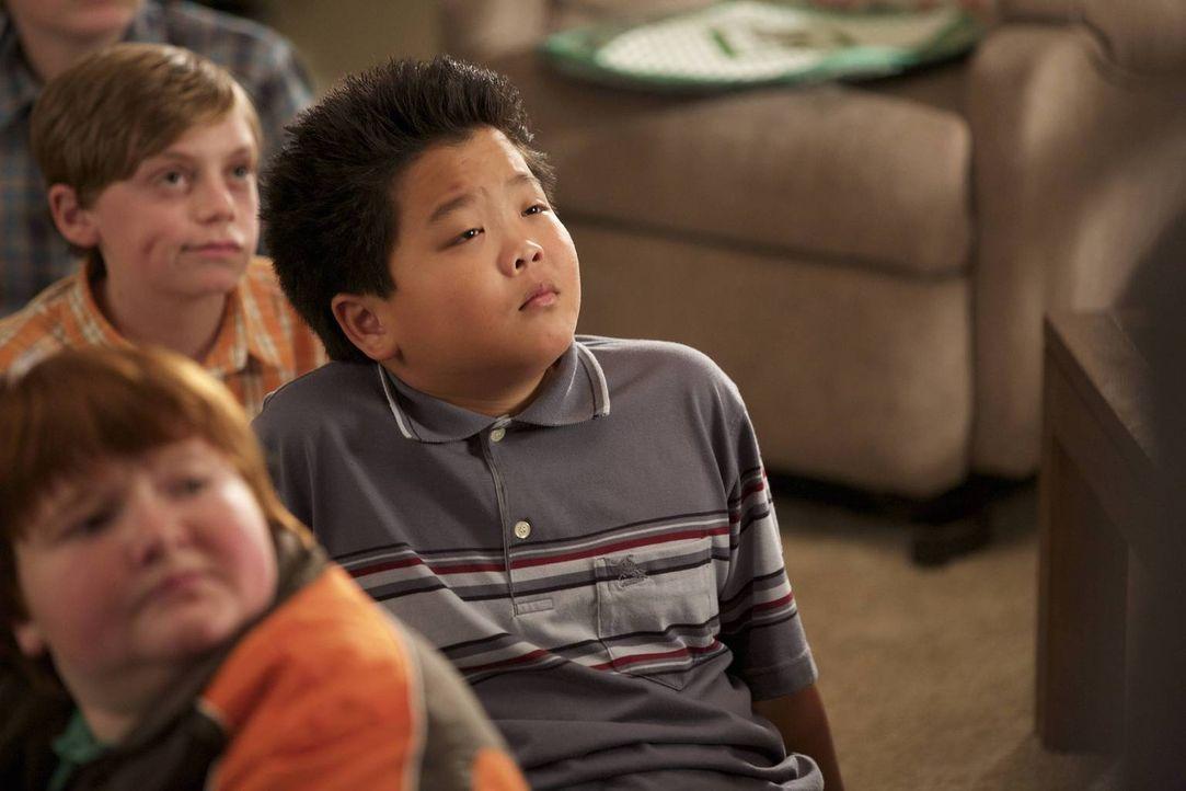 Louis ist ganz aufgeregt, dass sein Sohn Eddie (Hudson Yang) bald seinen ersten Schultanz absolvieren wird. Der nimmt das Ganze jedoch nicht so erns... - Bildquelle: 2015-2016 American Broadcasting Companies. All rights reserved.