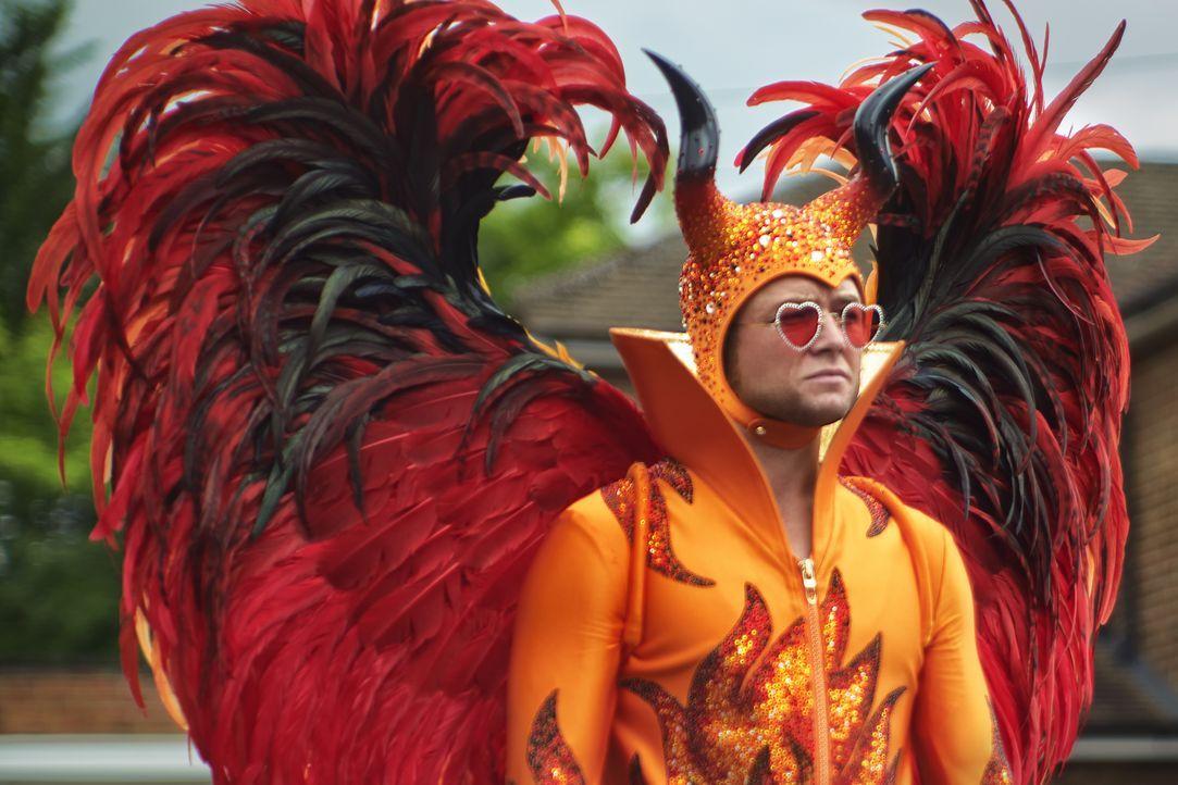 Elton John (Taron Egerton) - Bildquelle: Gavin Bond 2021 Paramount Pictures. All Rights Reserved. / Gavin Bond