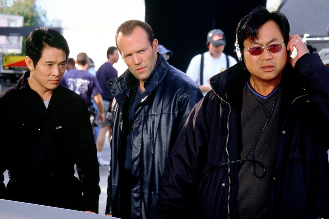 Regisseur James Wong (r.) mit seinen Hauptdarstellern Jet Li, l. und Jason Statham, M. - Bildquelle: Senator Film
