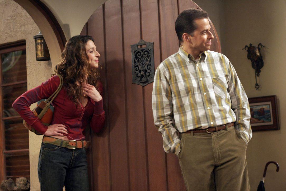 Judith (Marin Hinkle, l.) und Alan (Jon Cryer, r.) können nicht fassen, dass Jake die amourösen Abenteuern von Charlie in der Schule erzählt hat... - Bildquelle: Warner Bros. Television