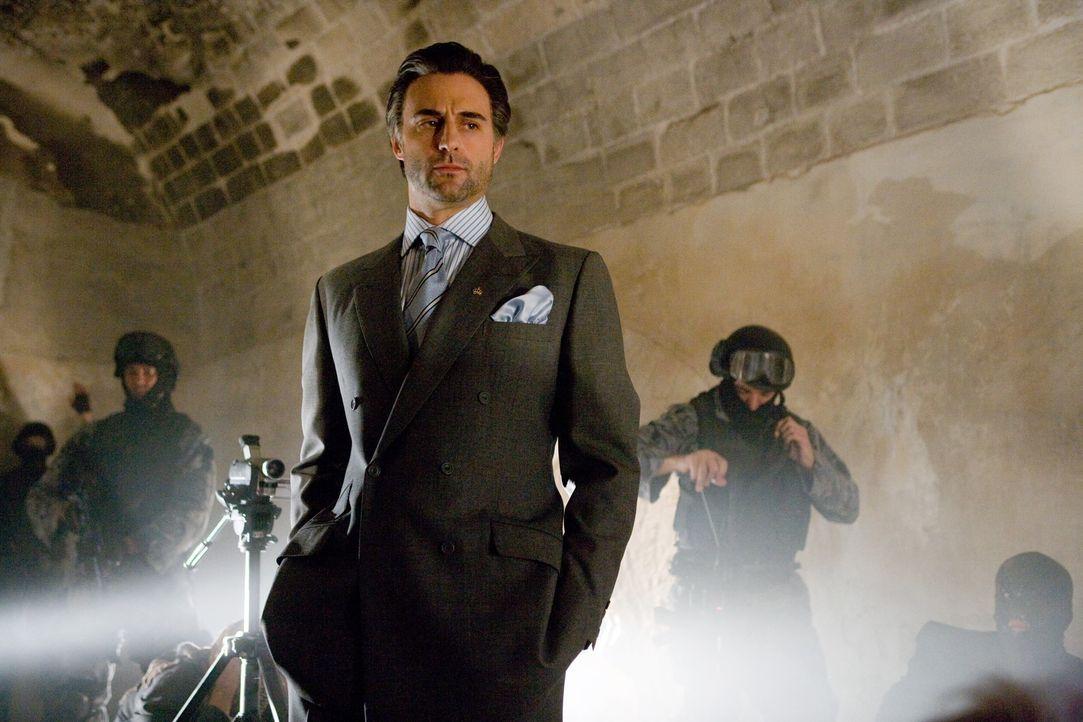 CIA-Agent Ferris kann nur auf einen zurückgreifen: den jordanischen Geheimdienst-Chef Hani (Mark Strong), der ebenfalls eher auf altbewährte Metho... - Bildquelle: Warner Brothers