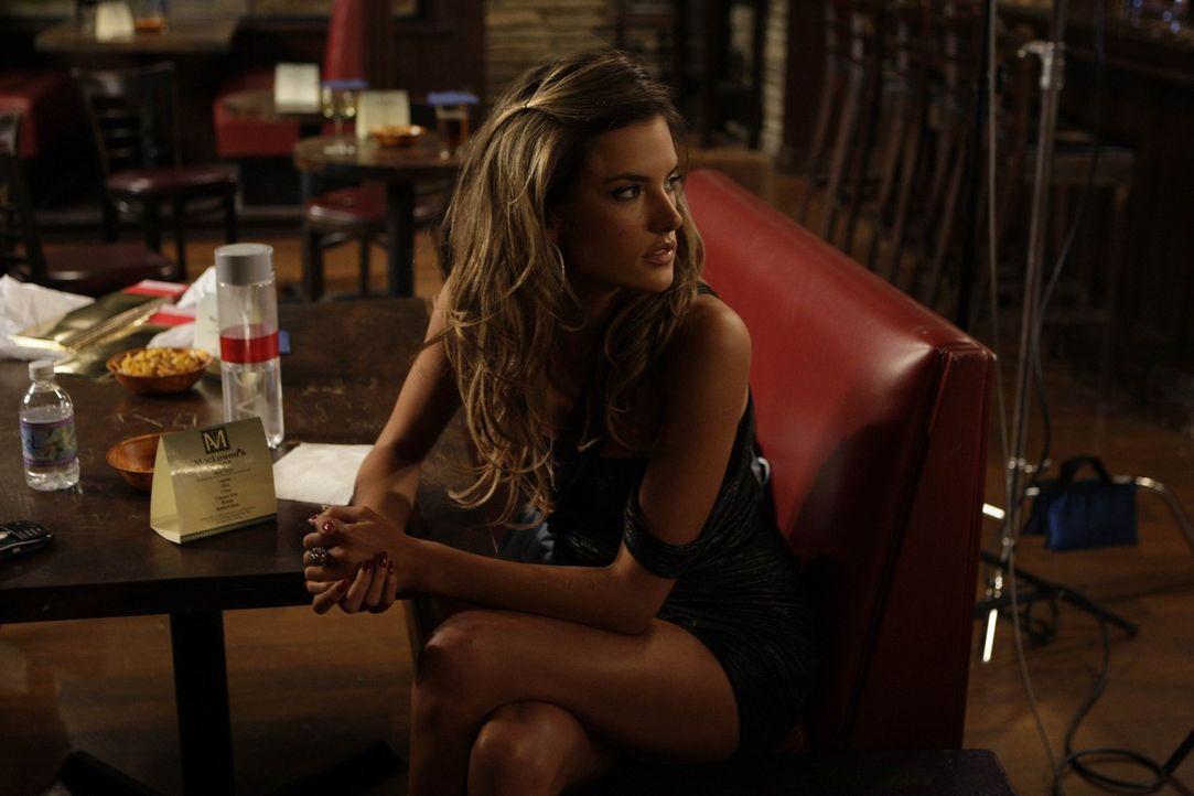 Noch ahnen Ted, Marshall und Barney nicht, dass sie bald auf Alessandra Ambrosio (Alessandra Ambrosio), ein Victoria Secret Model, treffen werden ... - Bildquelle: 20th Century Fox International Television