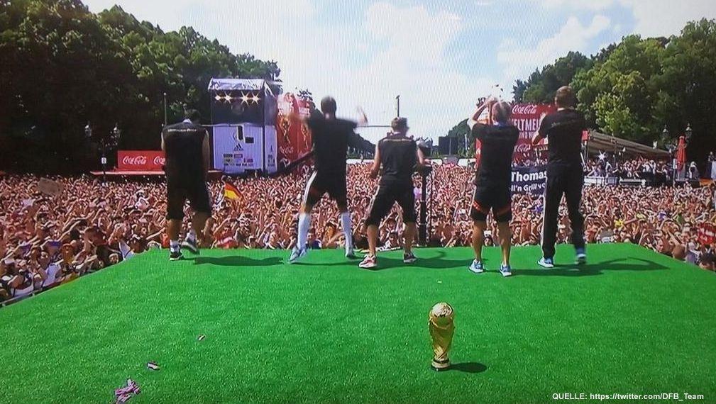 wm-ankunft-30-twitter-DFB_Team - Bildquelle: https://twitter.com/DFB_Team