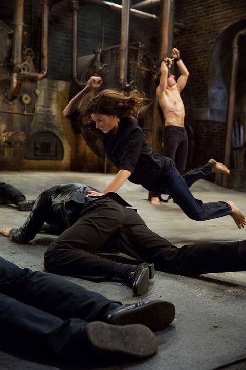 MI6-Doppelagentin Ilsa Faust (Rebecca Ferguson) geht aufs Ganze, um Ethan Hunt aus dem Foltergefängnis der Untergrundorganisation Syndikat zu befrei... - Bildquelle: David James 2015 PARAMOUNT PICTURES. ALL RIGHTS RESERVED.