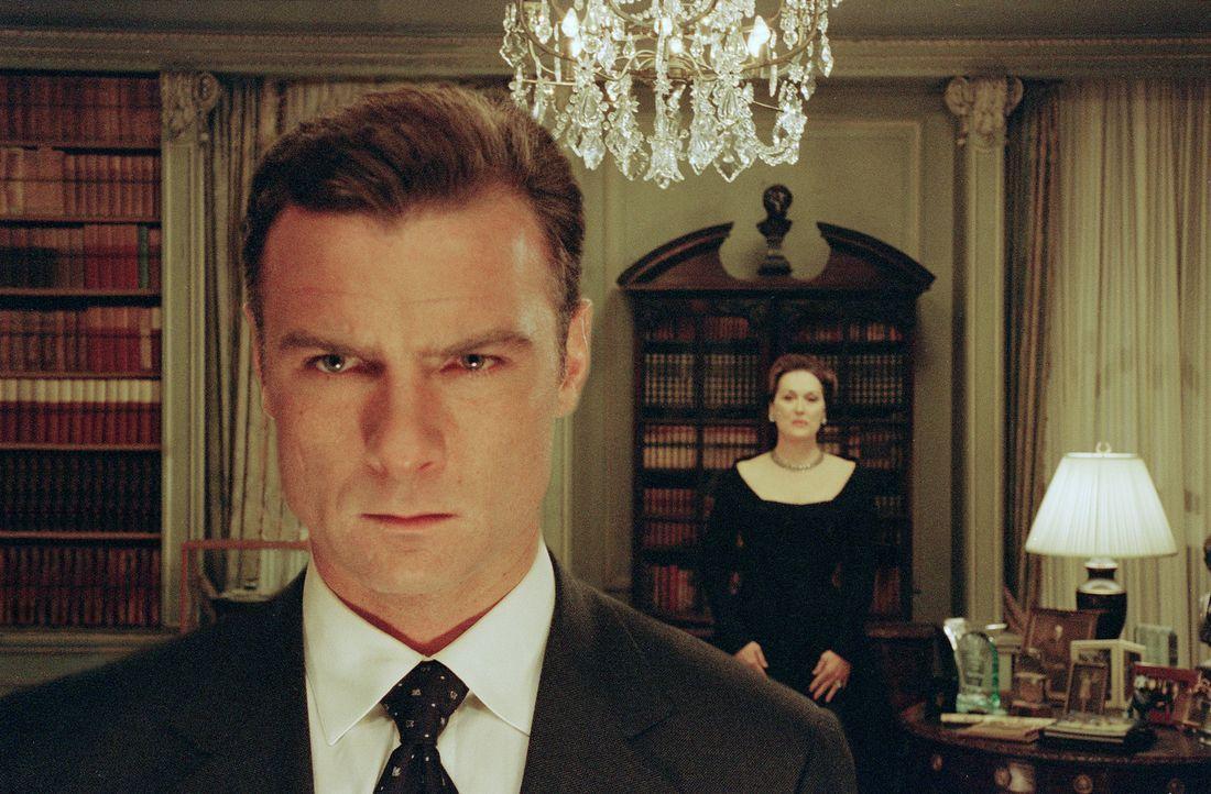 Demokratie in Gefahr: Raymond (Liev Schreiber, l.) und Eleanor Shaw (Meryl Streep, r.) ... - Bildquelle: Paramount Pictures