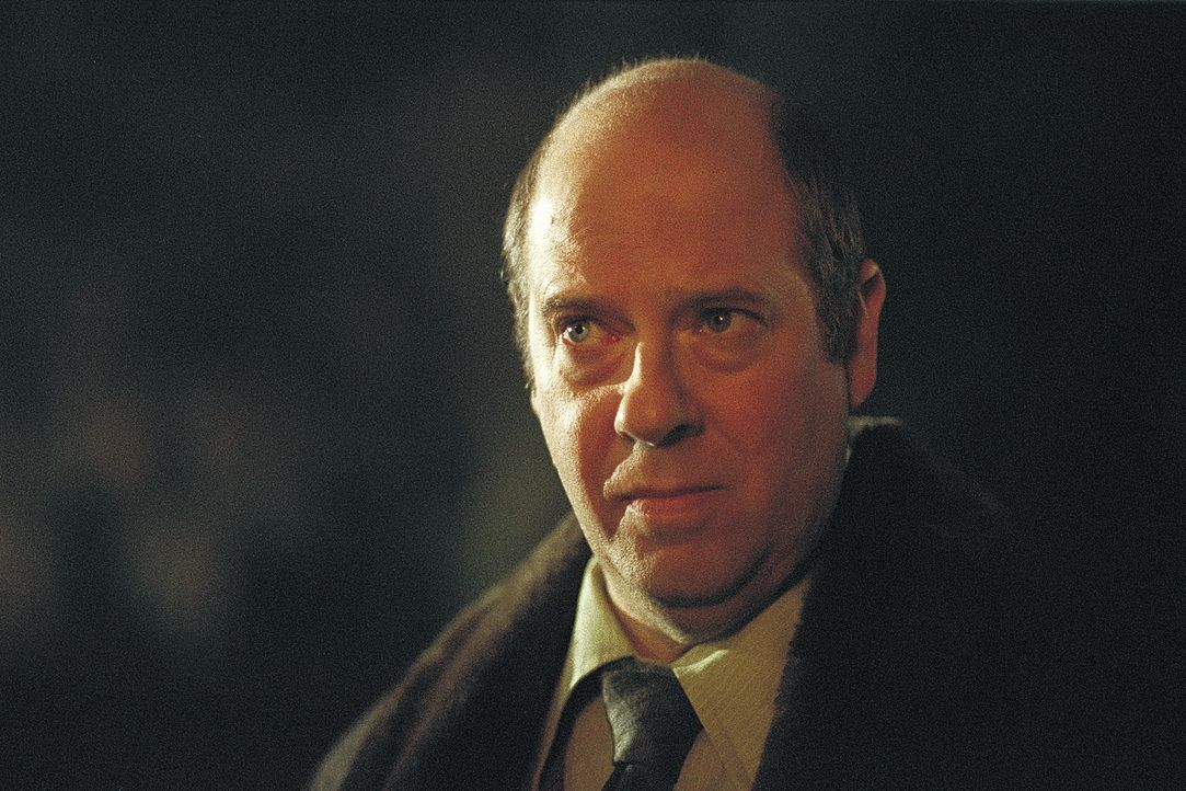 Auch bei ihrem Chef, Direktor Turner (Stephen Tobolowsky), stößt Psychologin Stillman nur auf Ablehnung ... - Bildquelle: 2004 Sony Pictures Television International. All Rights Reserved.