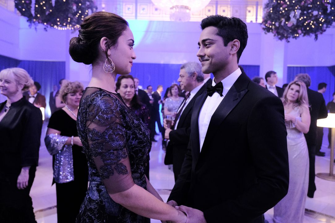 Nadine Suheimat (Shazi Raja, l.); Dr. Devon Pravesh (Manish Dayal, r.) - Bildquelle: Guy D'Alema 2019-2020 Twentieth Century Fox Film Corporation.  All rights reserved. / Guy D'Alema
