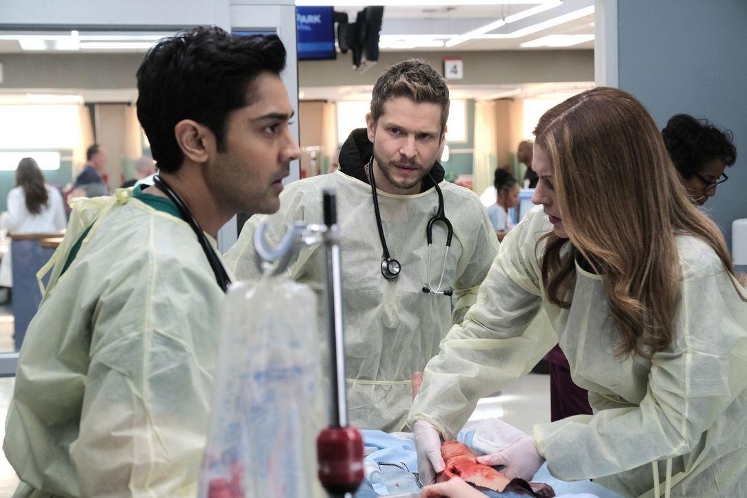 (v.l.n.r.) Dr. Devon Pravesh (Manish Dayal); Dr. Conrad Hawkins (Matt Czuchry);Dr. Kit Voss (Jane Leeves) - Bildquelle: 2018-2019 Twentieth Century Fox Film Corporation.  All rights reserved.