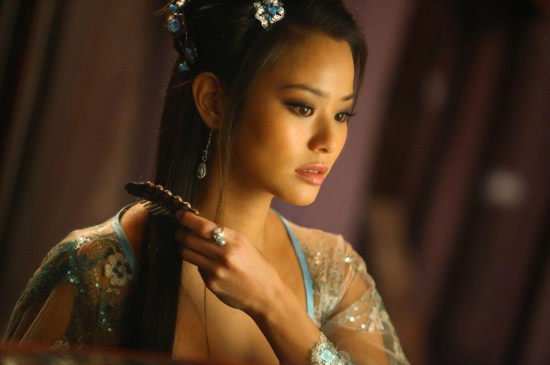 Um die Rettung seiner Geliebten Lady Silk (Jamie Chung) aus dem Pink Blossom finanzieren  zu können, lässt sich der Schmied darauf ein, gefährliche... - Bildquelle: Chan Chuen Universal Pictures / Chan Chuen