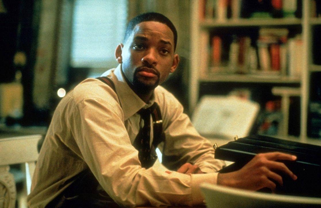 Der aufstrebenden Anwalt Robert Dean (Will Smith) gerät ahnungslos in den Besitz einer brisanten Diskette und wird so zur Zielscheibe einer Rufmord... - Bildquelle: Buena Vista Pictures