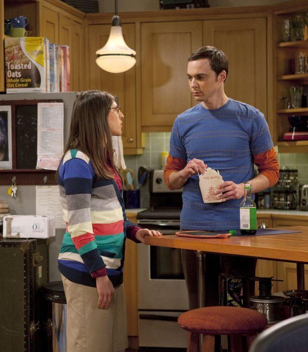 Amy Farrah Fowler (Mayim Bialik, l.); Sheldon Cooper (Jim Parsons, r.) - Bildquelle: Justina Mintz 2011 CBS Broadcasting Inc. All Rights Reserved / Justina Mintz