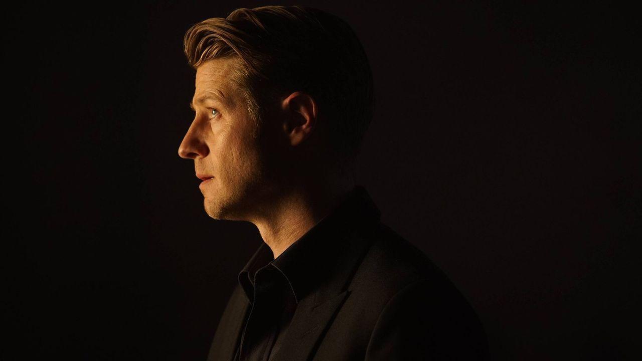 Tetch kehrt in die Stadt zurück und möchte sich an Gordon (Ben McKenzie) rächen. Dafür entführt er Valerie und Thompkins und schickt Gordon auf eine... - Bildquelle: Warner Brothers