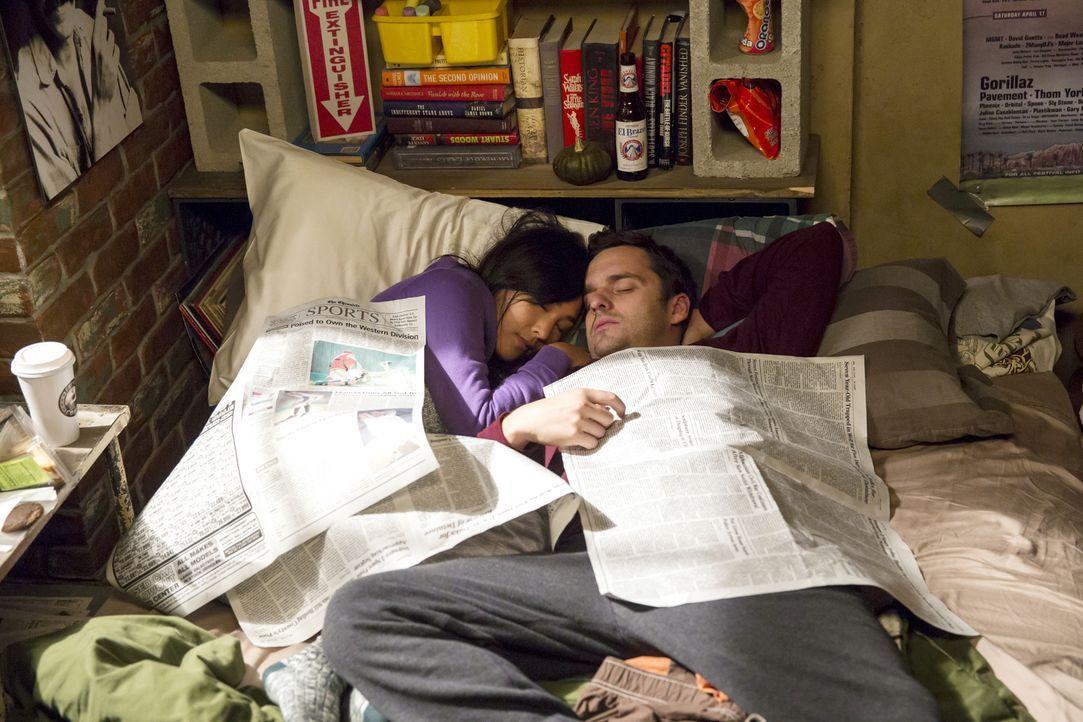 Hat die Beziehung von Nick (Jake Johnson, r.) und Kai (Greta Lee, l.) eine Chance? - Bildquelle: 2014 Twentieth Century Fox Film Corporation. All rights reserved.