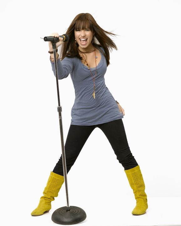 Als ihre Mutter den Job als Köchin im Musikcamp angeboten bekommt, kann  Mitchie (Demi Lovato) an dem begehrten Workshop teilnehmen. Schon bald sin... - Bildquelle: 2007 DISNEY CHANNEL. All rights reserved.