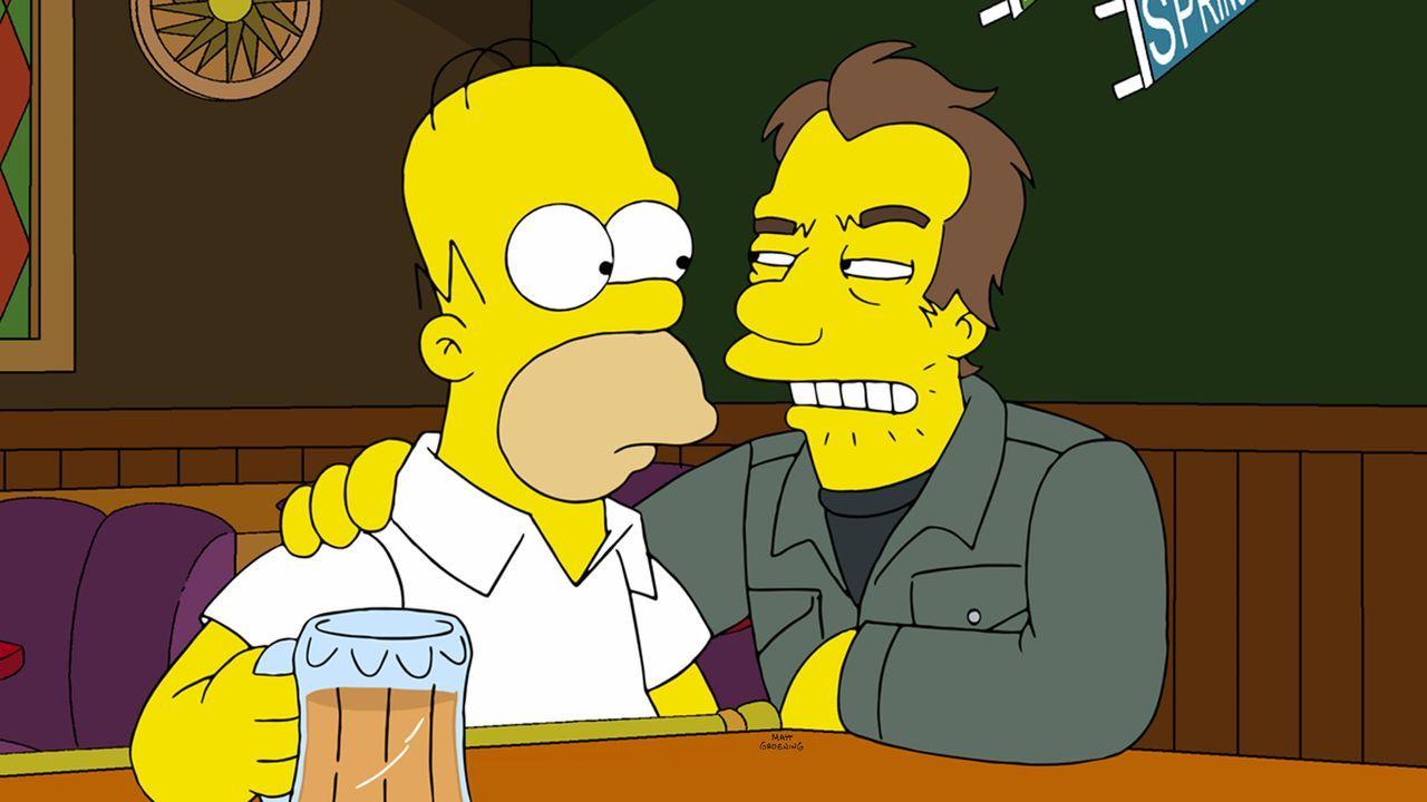 Nach einem Gespräch mit einem Unbekannten (r.) in Moes Taverne ist Homer (l.) überzeugt, dass der Weltuntergang naht ... - Bildquelle: und TM Twentieth Century Fox Film Corporation - Alle Rechte vorbehalten