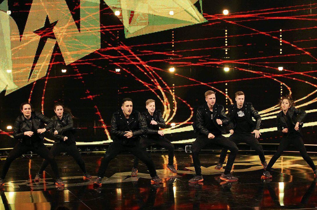 Got-To-Dance-Military-Crew-05-SAT1-ProSieben-Guido-Engels - Bildquelle: SAT.1/ProSieben/Guido Engels