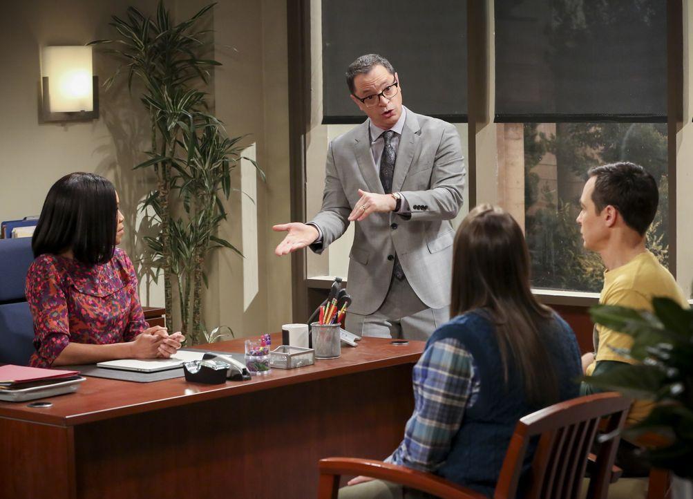 (v.l.n.r.) Janine Davis (Regina King); Präsident Siebert (Joshua Malina); Amy Farrah Fowler (Mayim Bialik); Sheldon Cooper (Jim Parsons) - Bildquelle: Michael Yarish 2019 WBEI. All rights reserved. / Michael Yarish