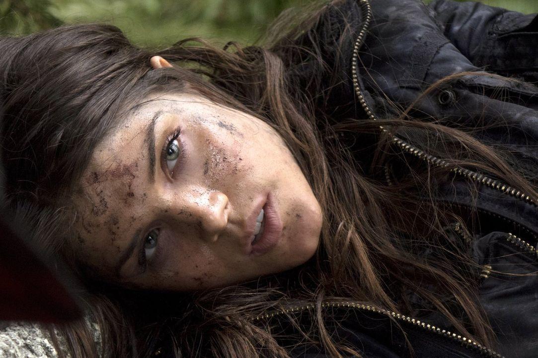 Sowohl Octavia (Marie Avgeropoulos), als auch Raven müssen sich mit ihren schlechten gesundheitlichen Zuständen auseinandersetzten. Doch werden beid... - Bildquelle: 2014 Warner Brothers